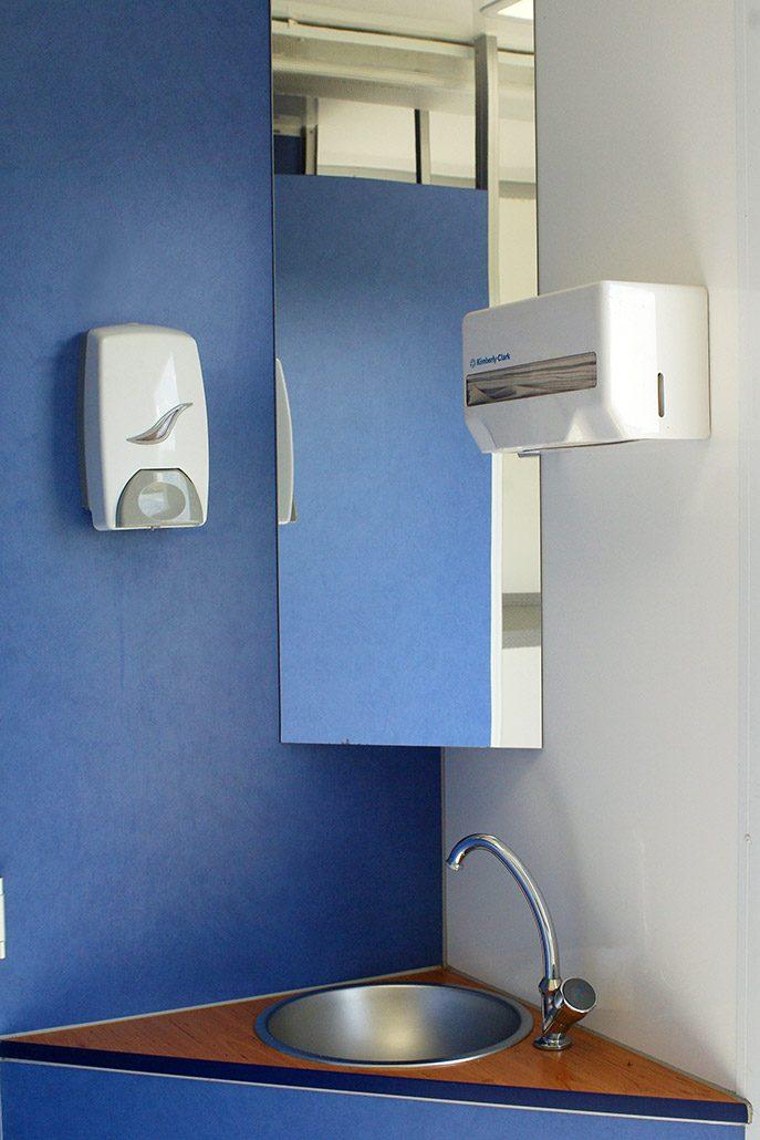 Toilettenwagen Sanita-Gamo Waschbecken